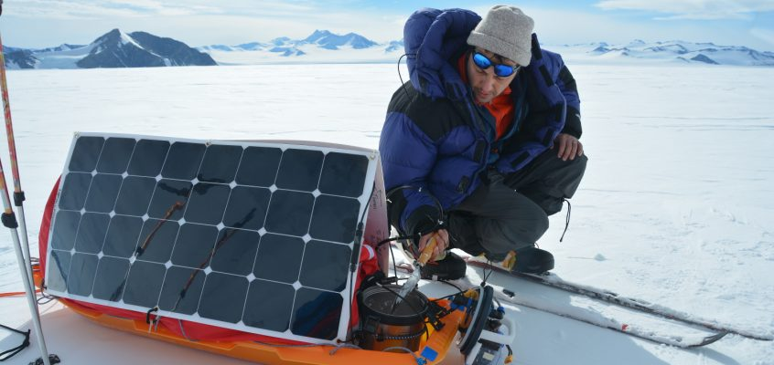 Polar Trekking Powered by Renewable Energy