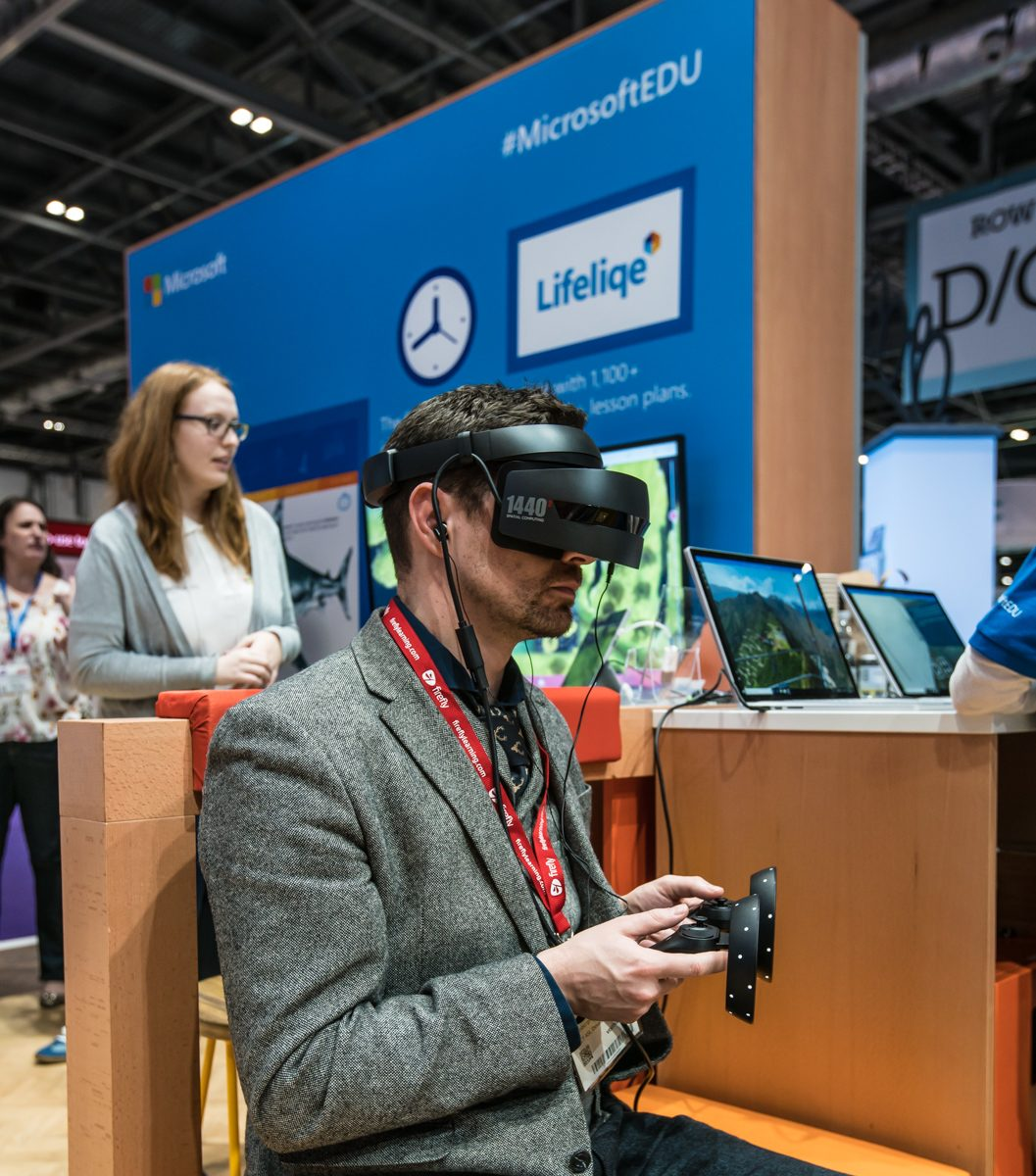 Bett 2018 show microsoft dell emc 360 research chromebook stem hack education vr ar