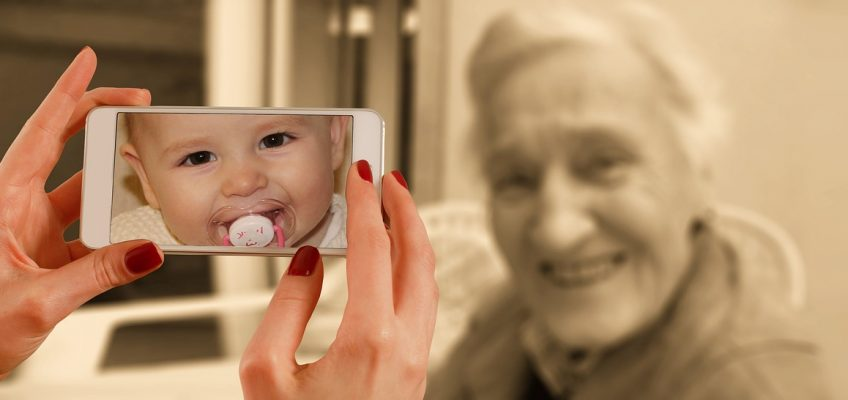 Fighting Aging with Artificial Intelligence
