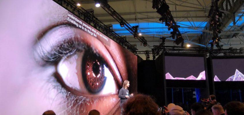 Tech Trends virtual reality mixed Reality HoloLens 2
