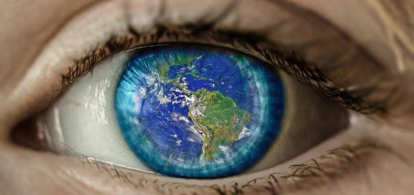 Tech Trends Infinite Retina Spatial Computing book